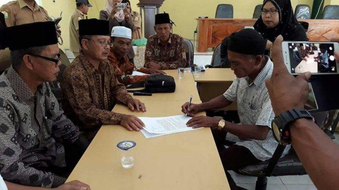Calon Keuchik yang Dikabarkan Pindah Agama di Aceh Singkil Kembali Bersyahadat