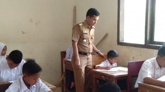 Camat Sawang Ikut Pantau Pelaksanaan Ujian Semester Genap
