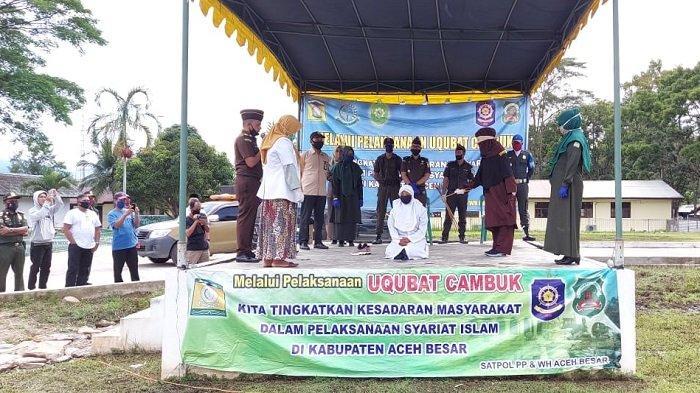 Tiga Pelanggar Syariat Islam di Aceh Besar Dicambuk 234 Kali