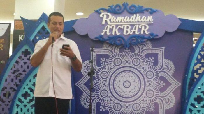 Cawagub Sumut Musa Rajekshah Baca Puisi Karya Penyair Aceh di Medan Fair
