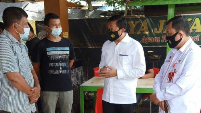Petugas Tegur Salah Satu Pengelola Rumah Makan Ternama di Aceh Besar Untuk Terapkan Protkes