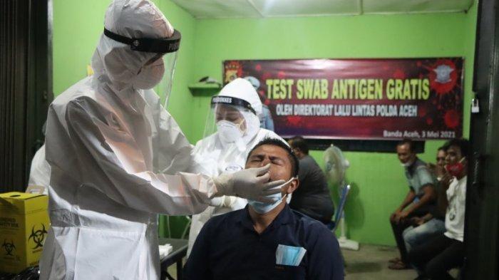 Ditlantas Polda Aceh Gelar Pelayanan Swab Antigen Gratis di Terminal Lueng Bata