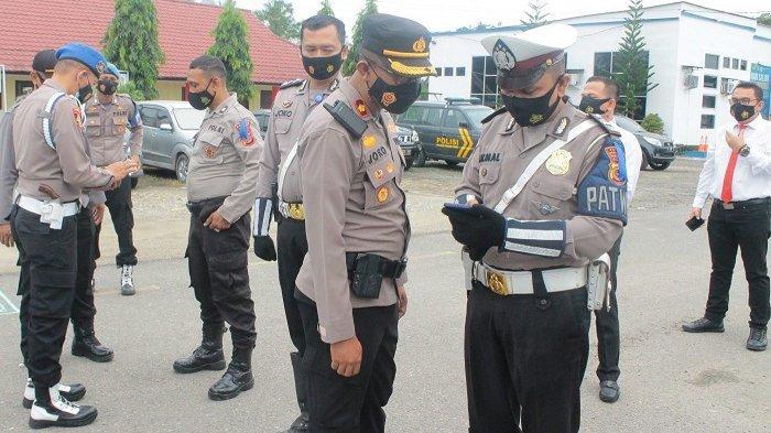 Sidak HP Personel, Polres Aceh UtaraJanjiTindak TegasAnggota Jika Kedapatan Main ChipDomino