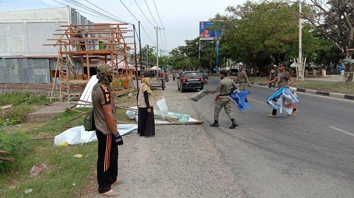 Patroli di Minggu Tenang, Panwaslih Aceh Besar Bongkar Sejumlah APK