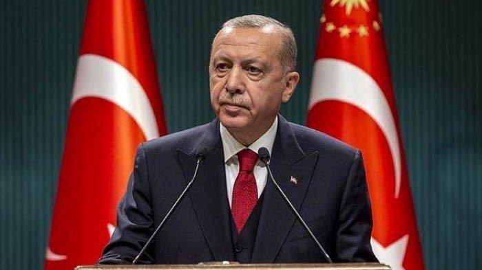 Erdogan Membela Menteri Luar Negeri Setelah Bertengkar Hebat dengan Yunani