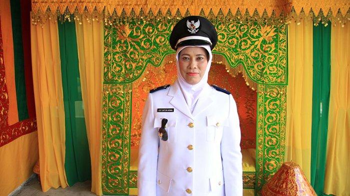VIDEO - Langka, Ini Satu-satunya Keuchik Perempuan di Aceh Besar Ada di Seuneubok