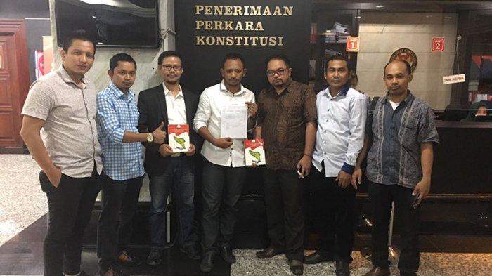 Dua Anggota KIP Aceh Daftarkan Gugatan Judicial Review UU Pemilu ke Mahkamah Konstitusi