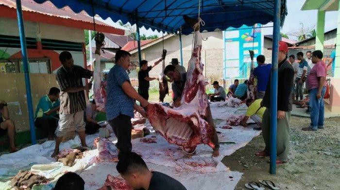 Hasil BUMG, Semua KK Warga Gampong Madat Samadua Aceh Selatan Kembali Dapat Daging Meugang dan Beras