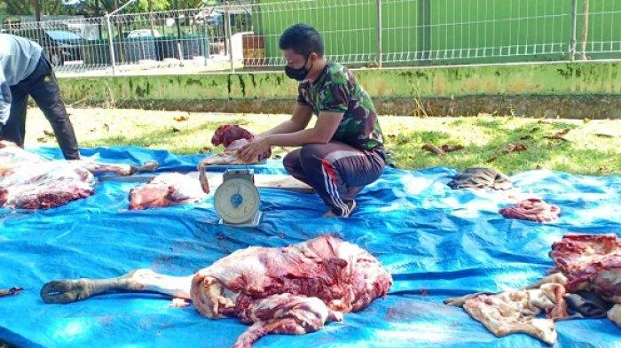 Kodim Aceh Jaya Bagikan Daging Meugang untuk Personelnya