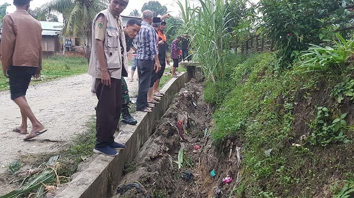 Ekses Banjir, Puluhan Meter Saluran Beton di Gampong Lengkong Langsa Baro Ambruk Dihantam Air