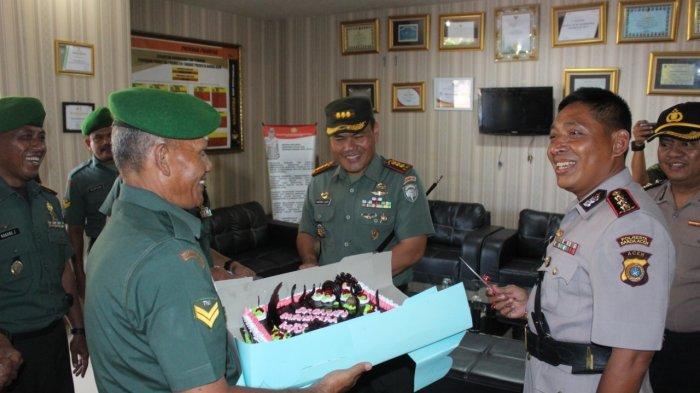 Dandim 0101 BS dan Rombongan Beri Suprise ke Kapolresta Banda Aceh