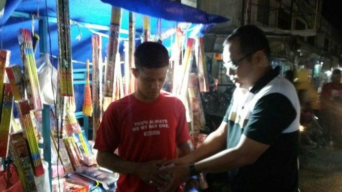 Polsek Lhoksukon Ingatkan Pedagang tidak Jual Petasan Berdaya Ledak Tinggi