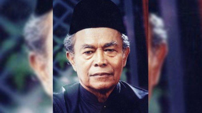 Sasterawan Negara Malaysia keturunan Aceh, Datuk Abdullah Hussain.