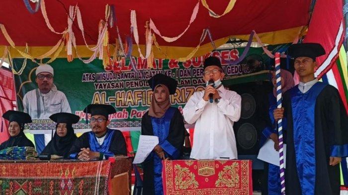 Resmikan BLK Al-Hafidz, Asisten II Setdakab Aceh Singkil Ajak Orang Tua Pesantrenkan Anak