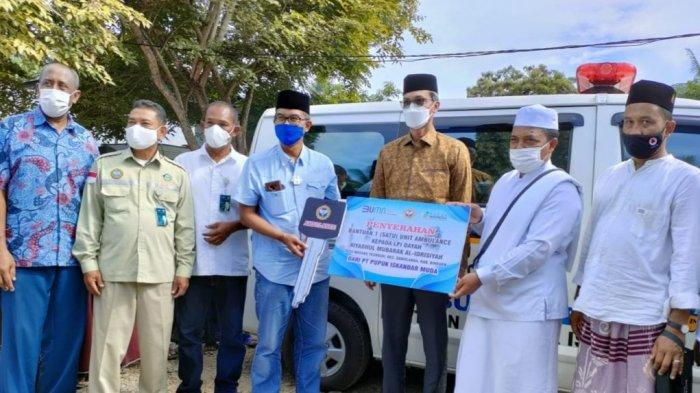 Ponpes Dayah Riyadhul Mubarak Samalanga Terima Bantuan Mobil Ambulans