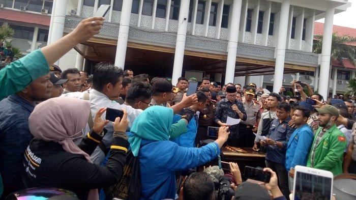 Nova Iriansyah Teken Surat Tolak Izin PT EMM, Siap Turun dari Jabatan Jika Khianati Pernyataan