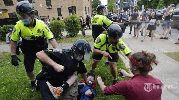AS Minta China Hormati HAM, Tapi Polisi di Amerika Justru Gunakan Kekerasan saat Hadapi Demonstran