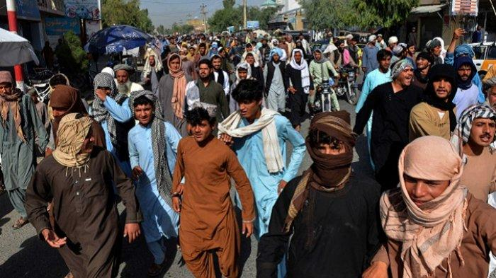 Ribuan Warga Kandahar Protes Taliban, Warga Digusur dari Asrama Tentara