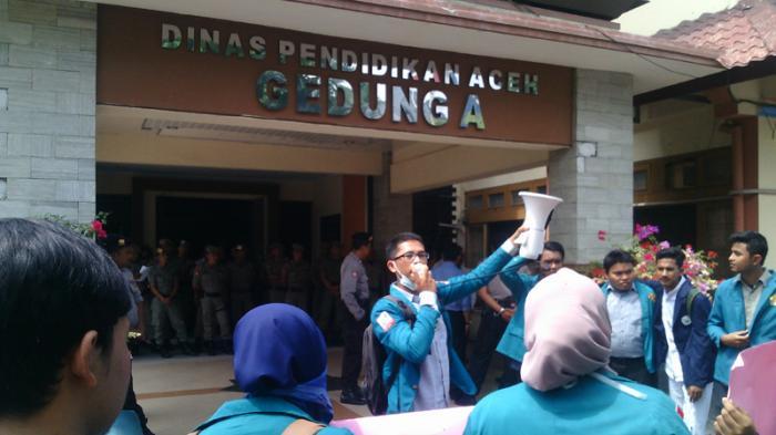 Pendidikan Aceh Peringkat 32 Nasional, Puluhan Mahasiswa Demo
