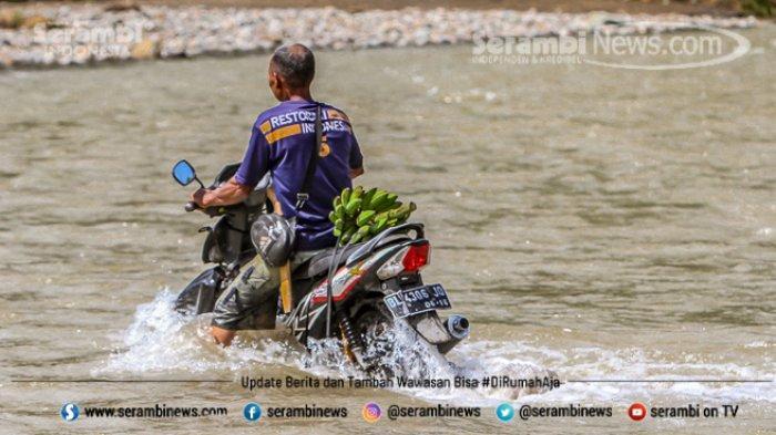 FOTO - Potret Pendidikan Di Aceh Besar, Bertaruh Nyawa Menyeberangi Sungai Demi Menuntut Ilmu - desa-panca-kubu-aceh-besar-7.jpg