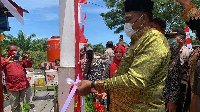 Bupati Aceh Singkil Resmikan Desa Takal Pasir sebagai ...