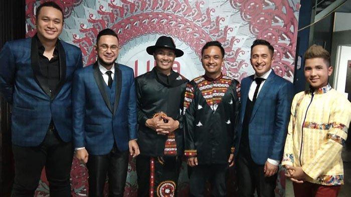 Saat Faul Tampil, Host Liga Dangdut Indonesia Kenakan Jas Motif Gayo Hadiah dari Pemkab Bener Meriah