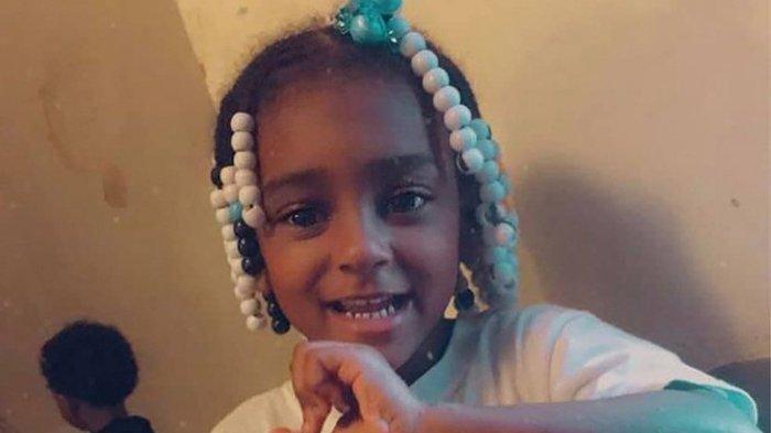 Setelah dihukum oleh ibunya berdiri selama tiga hari berturut-turut, seorang gadis kecil berusia 4 tahun ditemukan terluka parah dan meninggal dunia.