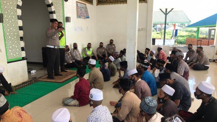 Dirlantas Polda Aceh Lakukan Sosialisasi Tertib Lalu Lintas ke Dayah Mini Alue Naga