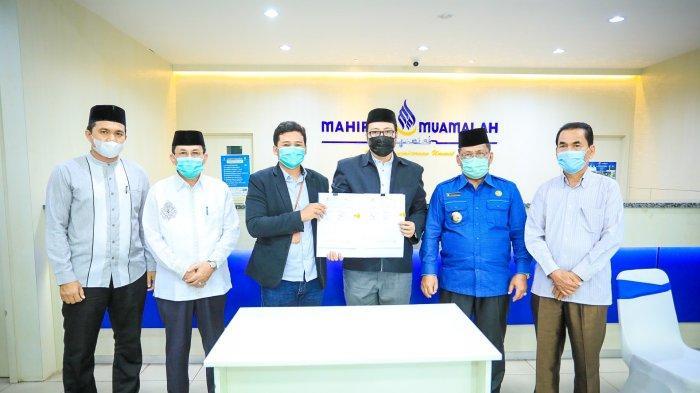 Disaksikan Walikota, BRINS dan LKMS Mahirah Muamalah Banda Aceh Teken Kerjasama