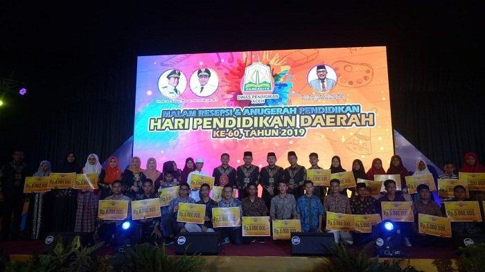 Malam Resepsi Hardikda, Disdik Aceh Berikan Bonus untuk Guru, Sekolah, dan Siswa Berprestasi