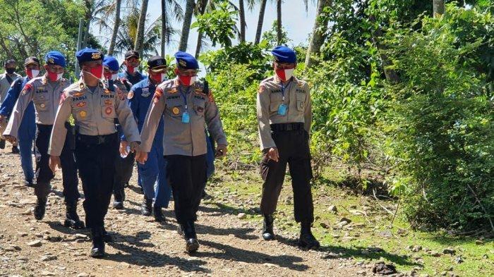 Polda Aceh Bagikan Sembako kepada 53 Keluarga Kurang Mampu di Pulo Aceh, Aceh Besar