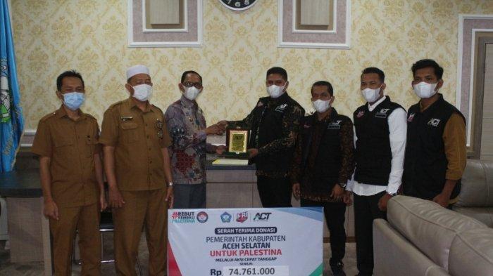 Aceh Selatan Serahkan Donasi Untuk Palestina