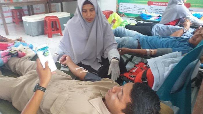 TNI dan Warga Tingkeum Manyang Gelar Donor Darah di Kutablang, Ini Hasilnya