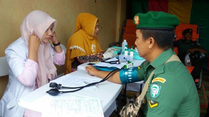 Peringati Hari Ibu, TNI dan Masyarakat Pidie Donor Darah di Terminal Kota Sigli