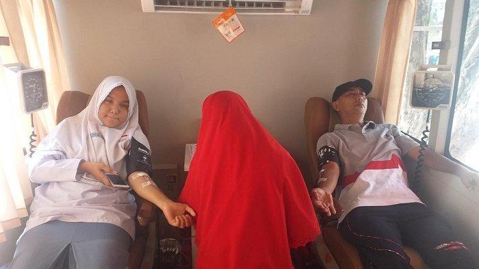 Guru dan Siswa SMAN 1 Bireuen Kumpulkan Darah 71 Kantong