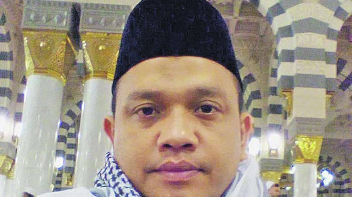Dr Munawar A Djalil Khatib Idul Fitri di Masjid Islamic Centre At-Taqarrub Kabupaten Pijay