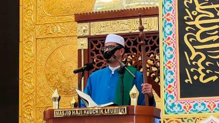 Jumat di Masjid HKL: Allah Tidak Cabut Ilmu dari Hati Manusia, Tapi dengan Cara Mewafatkan Ulama