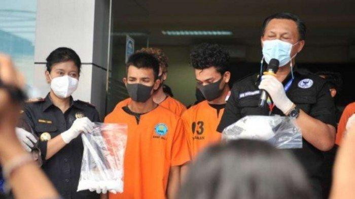 1 Kg Sabu Diselundupkan di Sandal Jepit, Dua Pemuda Aceh Diringkus di Bali, Terima Upah Rp 30 Juta