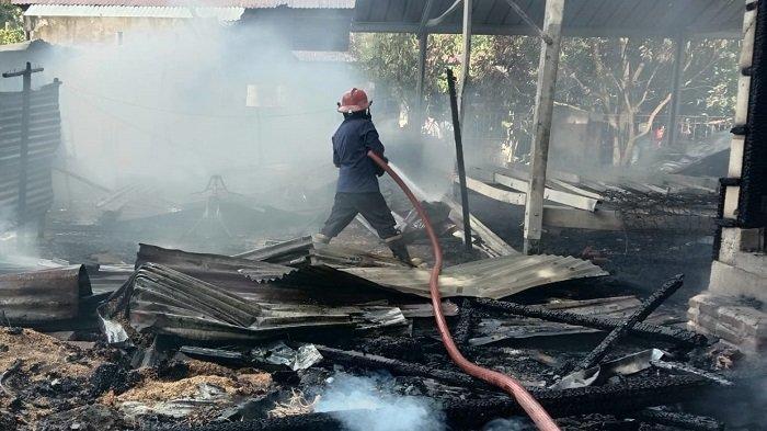 Dua Rumah di Gampong Teubaluy Aceh Besar Rata dengan Tanah Dilalap Api, 8 Jiwa Mengungsi