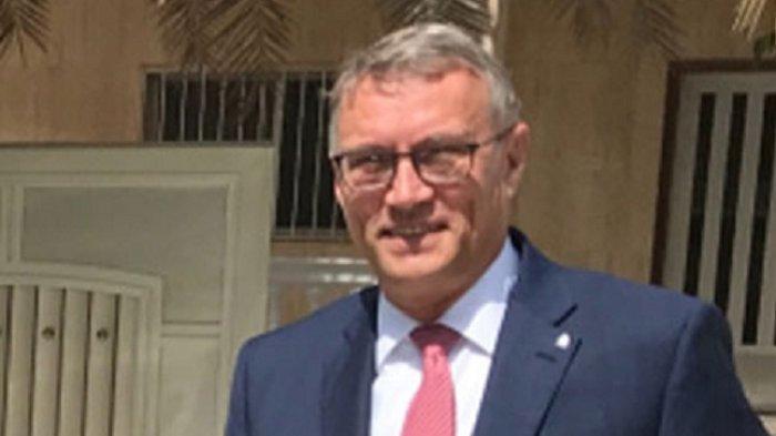 Duta Besar Ceko untuk Kuwait Minta Maaf, Posting Bendera Israel Sebagai Pembungkus Badannya