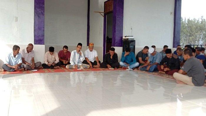 Korban Tsunami Gampong Baro Peringati 16 Tahun Tsunami dengan Zikir dan Doa