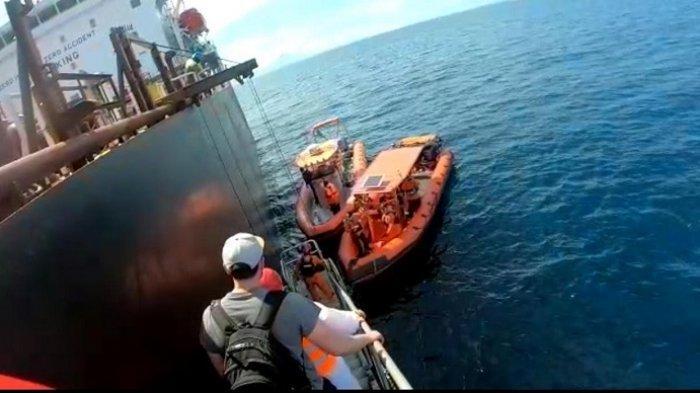 Basarnas Evakuasi Warga Rusia dari Kapal Tanker di Selat Benggala, Alami Sakit Parah Saat Berlayar