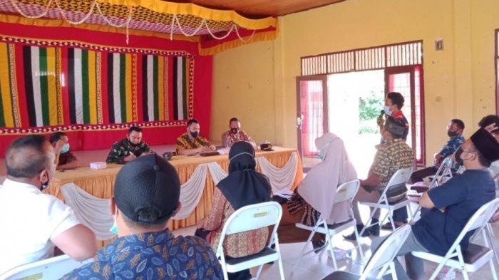 Optimalkan Pelaksanaan PPKM Tingkat Kampung, Camat Suro Aceh Singkil Lakukan Evaluasi