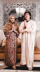 Baju Lebaran 2021, Intip 5 Gaya Aurel Hermansyah Istri Atta Halilintar Pakai Hijab & Gamis Ini