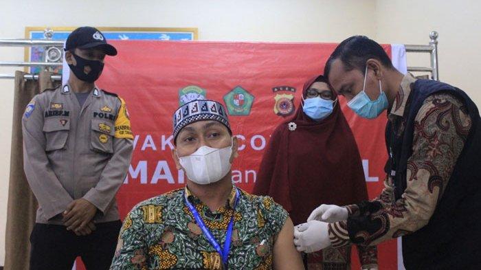 Guru dan Staf di Sekolah Sukma Bangsa Pidie Lakukan Vaksinasi Covid-19