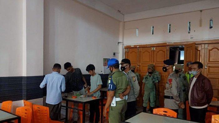Melanggar Protokol Kesehatan, Lima Warkop di Banda Aceh Kembali Disegel