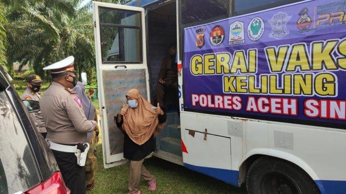 Satlantas Polres Aceh Singkil Buka Gerai Vaksinasi Keliling