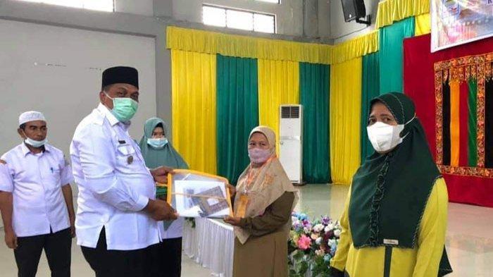 Pulihkan Ekonomi, Kaum Ibu di Aceh Singkil Dilatih Buat Bakso