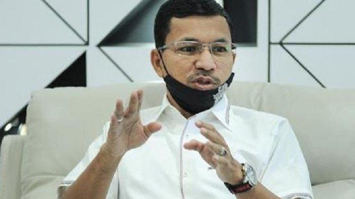 Farid Bakar Semangat Mahasiswi Mutiara Raya
