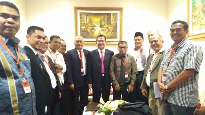 Ferry Mursyidan Baldan, Ampon Man, Amrizal J.Prang Sampaikan Kesaksian di MK